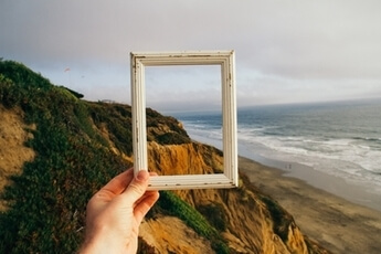 one-inch picture frame